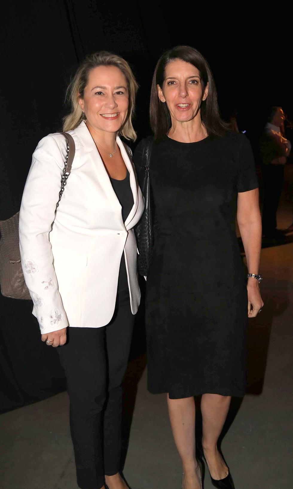 """מנכ""""לית דיסקונט לילך אשר-טופילסקי ואורית אלסטר, ראש החטיבה העסקית בבנק (צילום: סיון פרג')"""