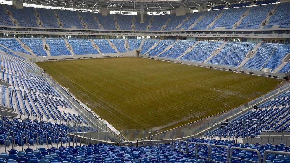 אצטדיון קרסטובסקי סנט פטרבורג. אין כניסה להומואים ושחורים (צילום: AFP) (צילום: AFP)