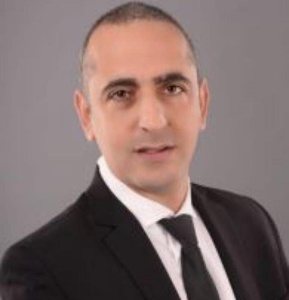 עורך הדין קובי פלומו ()