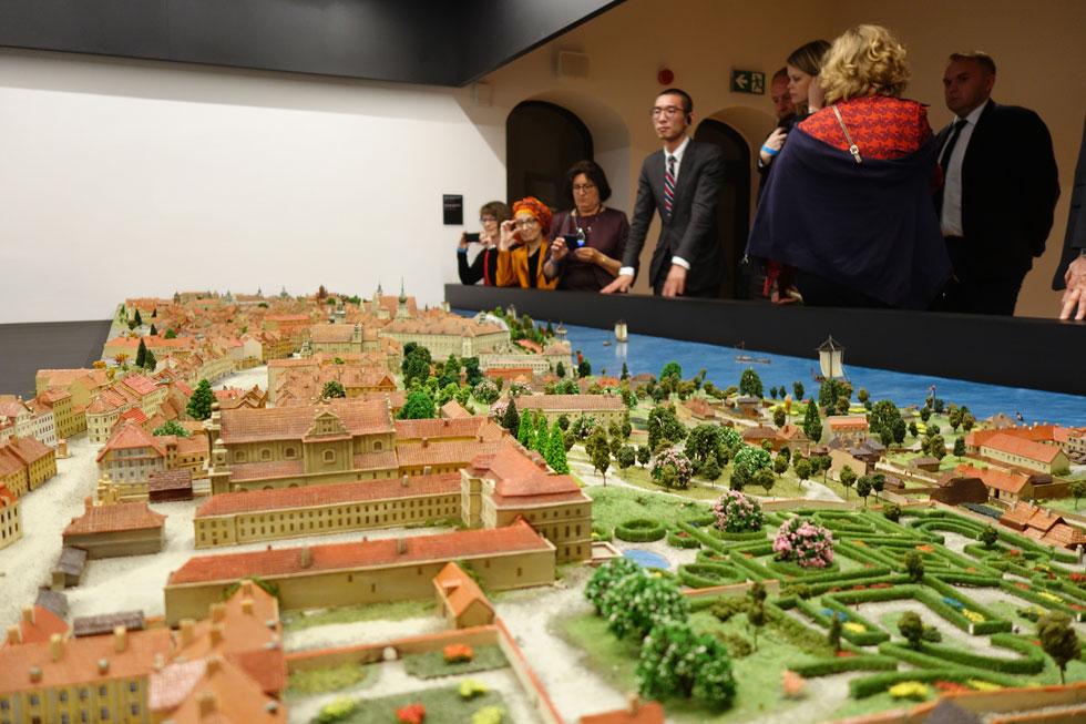 אחד מדגמי העיר המוצג במוזיאון. 80 אחוז מהבניינים של ורשה נהרסו במלחמת העולם השנייה ושיקומה מאז תום המלחמה פורח (צילום: מיכאל יעקובסון)