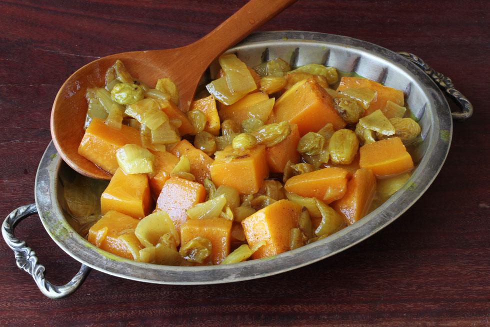 תבשיל דלעת עם צימוקים וקינמון (צילום, סגנון והכנה: אסנת לסטר)