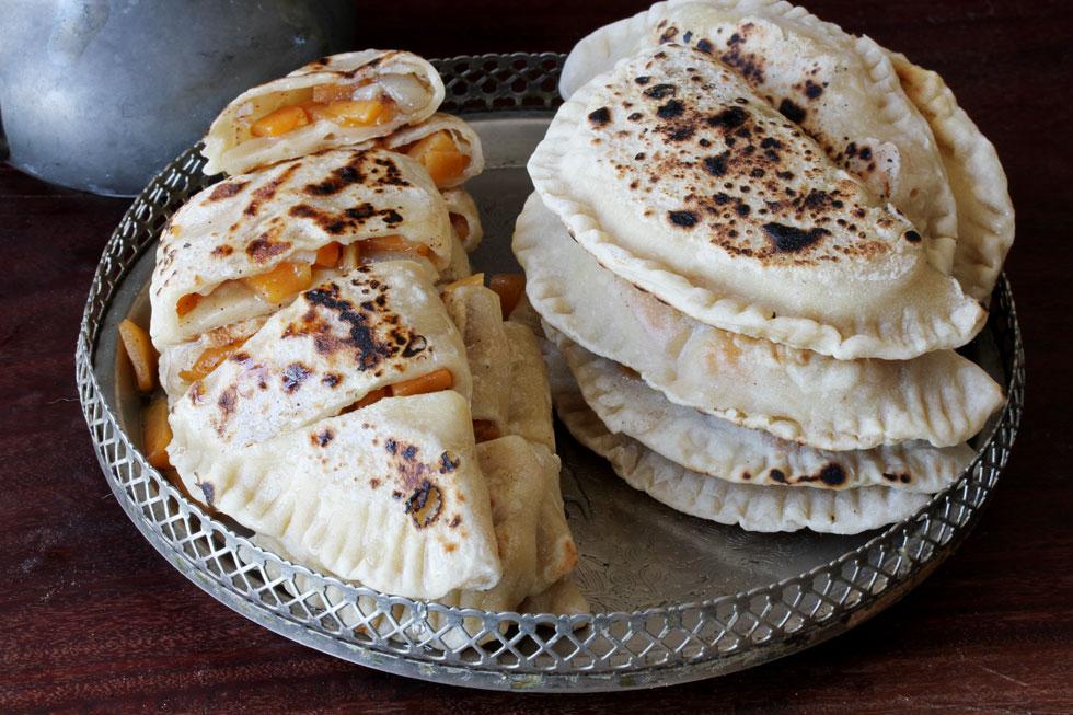 פרטשו קידו - כיסנים קווקזיים מתוקים במילוי דלעת (צילום, סגנון והכנה: אסנת לסטר)