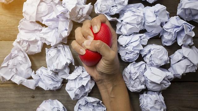 מרגישים לחץ ולא יודעים מה זה? אולי אתם שחוקים בעבודה (צילום: shutterstock) (צילום: shutterstock)