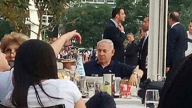 Netanyahu spotted at a restaurant in Thessaloniki