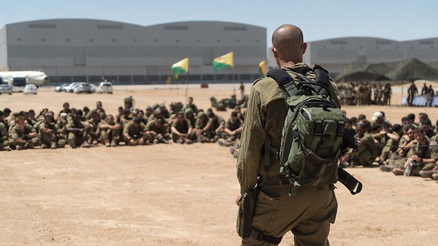 Egoz soldiers during their briefing (Photo: IDF Spokesperson's Unit) (Photo: IDF Spokesperson's Unit)