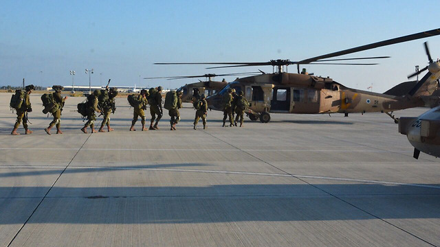 IDF forces board IAF Blackhawk helicopters in Cyprus (Photo: IDF Spokesperson's Unit) (Photo: IDF Spokesperson's Unit)