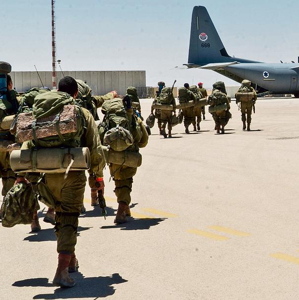 בדרך למעלה | הלוחמים המריאו מהבסיס בנבטים היישר לאזור הפעילות בקפריסין