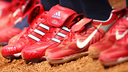 רשמי: אדידס מוכרת יותר נעליים מאייר ג'ורדן