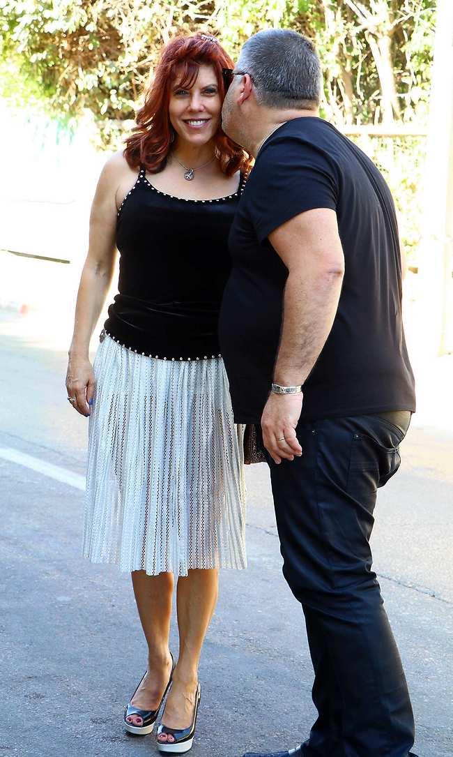 נשיקה למזל. רני רהב וג'ודי שלום ניר מוזס (צילום: אמיר מאירי)