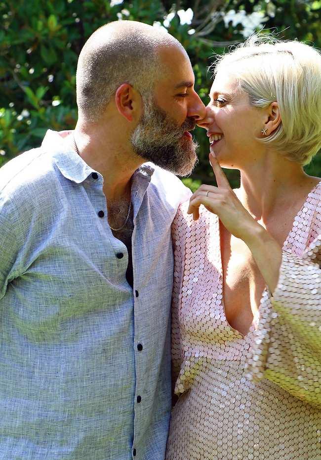 פתאום יש לנו גם חשק להתחתן. דפנה ויונתן (צילום:אמיר מאירי)