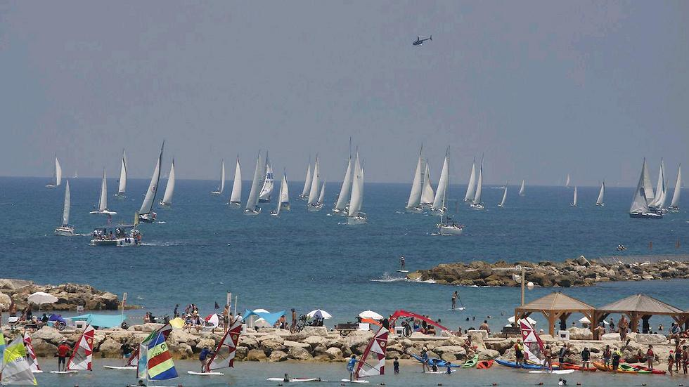 מפליגים בתל אביב (צילום: דורון כורש)