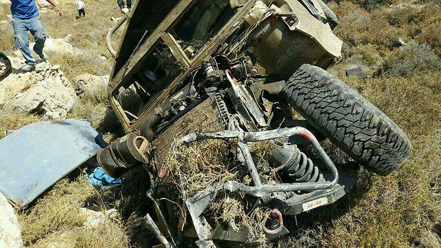 IDF Humvee topples over leaving 2 soldiers injured