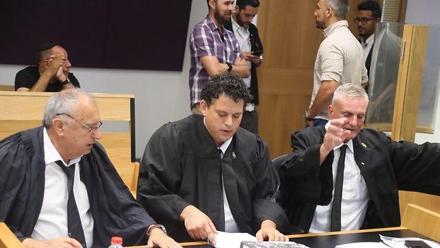 עורכי הדין בן אריה, אשש ונדשי (צילום: מוטי קמחי)