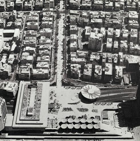 כך היא נראתה, לפני שנים של הזנחה מצד העירייה. כיכר אתרים (צילום: ארכיון אדריכלות ישראל)