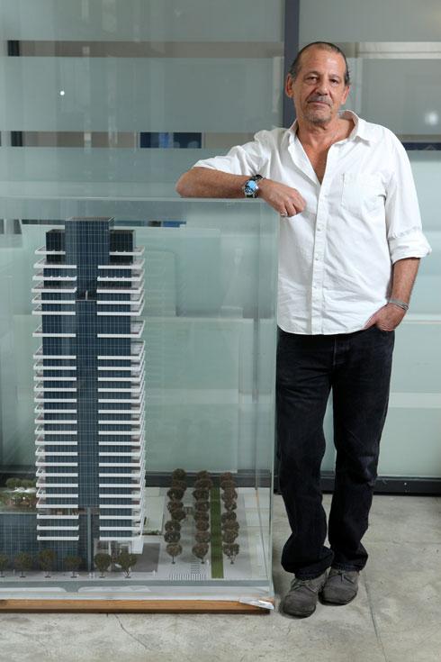 האדריכל אבנר ישר, השותף המקומי של האדריכל נורמן פוסטר שקיבל את תכנון הפרויקט מהעירייה (צילום: עמית שעל, כלכליסט)