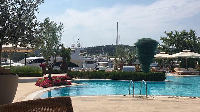 המלון למבוגרים בלבד בריזורט סאני ביץ' עם נוף למרינה ()