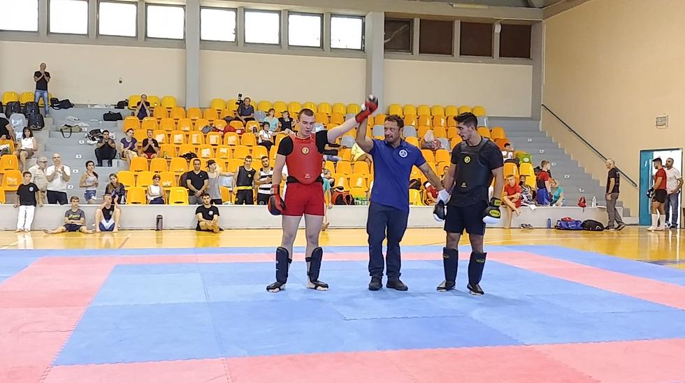 """ניצח בתחרות עד 85 ק""""ג. דמיטרי בלאוסוב"""