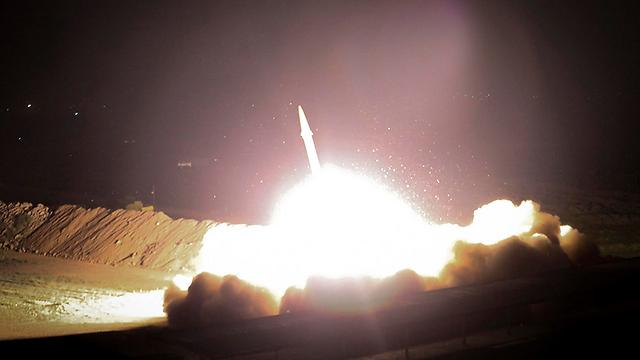שיגור הטילים מאיראן לסוריה (צילום: AP)