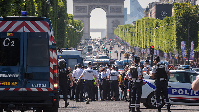 Security forces in Paris's Champs-Elysees following vehicular attack (Photo: EPA)
