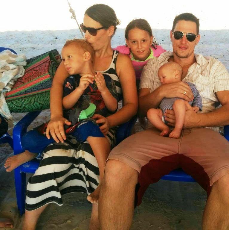 קורנבליט ומשפחתו ()