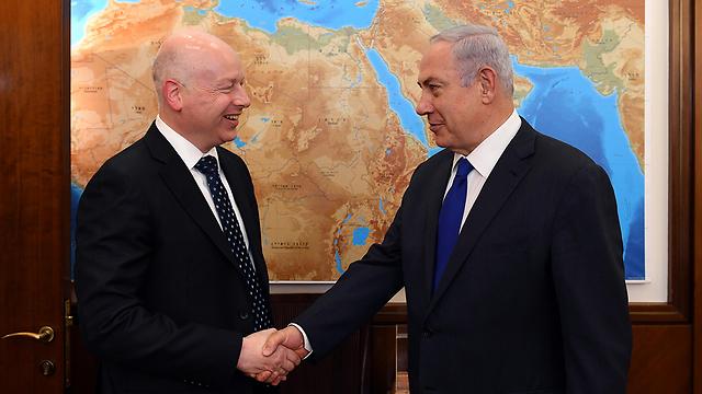 Посланник президента США Джейсон Гринблатт и премьер-министр Биньямин Нетаниягу. Фото: Хаим Цах/ЛААМ