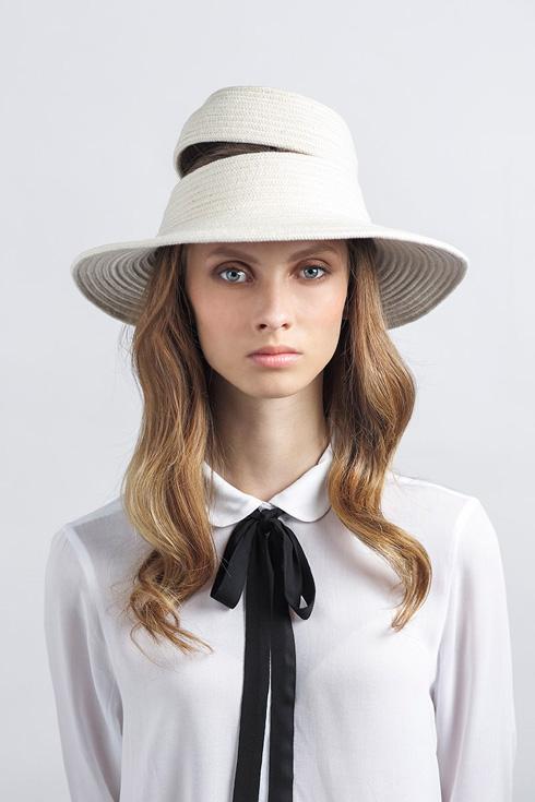 1,100 שקל, כובעי ג'סטין בעיצוב יעל כהן  (צילום: יפעת ורצ'יק)