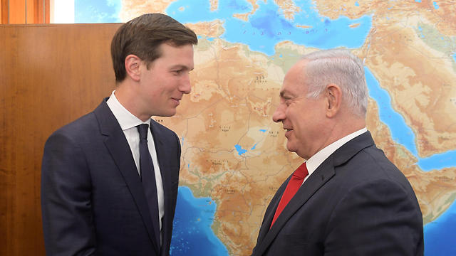Jared Kushner with Netanyahu (Photo: Amos Ben Gershom)
