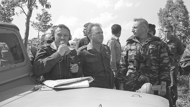 """(צילום: מיקי אסטל, במחנה, באדיבות ארכיון צה""""ל במשרד הביטחון) (צילום: מיקי אסטל, במחנה, באדיבות ארכיון צה"""