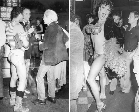 """אנדי וורהול (מימין, בתמונה השמאלית) בסטודיו 54. """"ניו יורק הייתה כמו מסיבה אחת גדולה ומאוד קינקית""""  (צילום: Gettyimages)"""