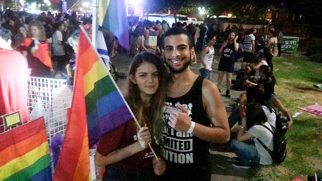 גאיה גורפינקל ואביאור דלאל במצעד (צילום: שלומית בזק גורפינקל) (צילום: שלומית בזק גורפינקל)