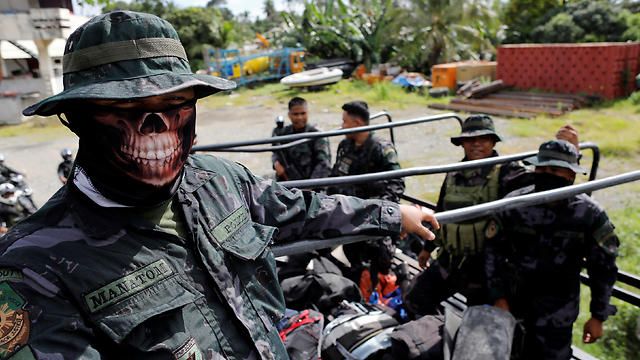 Soldiers fighting ISIS in the Philippines (Photo: Reuters)
