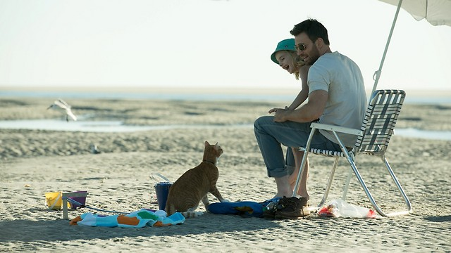 פרנק, מרי והחתול פרד. קשר מיוחד (צילום: באדיבות בתי קולנוע לב) (צילום: באדיבות בתי קולנוע לב)