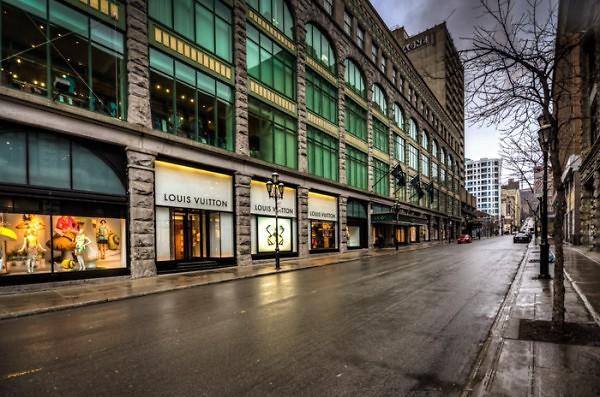 רחוב סנט קתרין לחובבי הקניות (צילום שירי תמם )