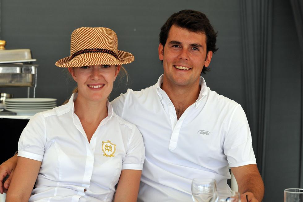 הנישואים החזיקו מעמד שנתיים בלבד. עם בן הזוג לשעבר, רוכב הסוסים סרחיו אלברז (צילום: rex/asap creative)