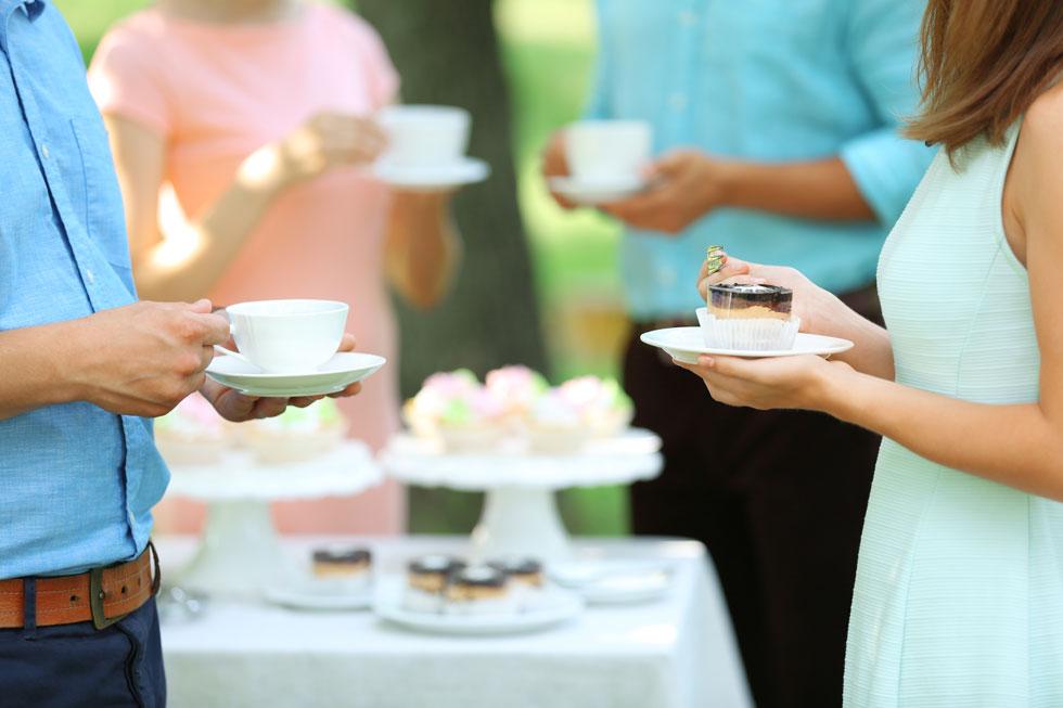 מבול של אירועים שמביא להצפה של קלוריות? לא בהכרח (צילום: Shutterstock)