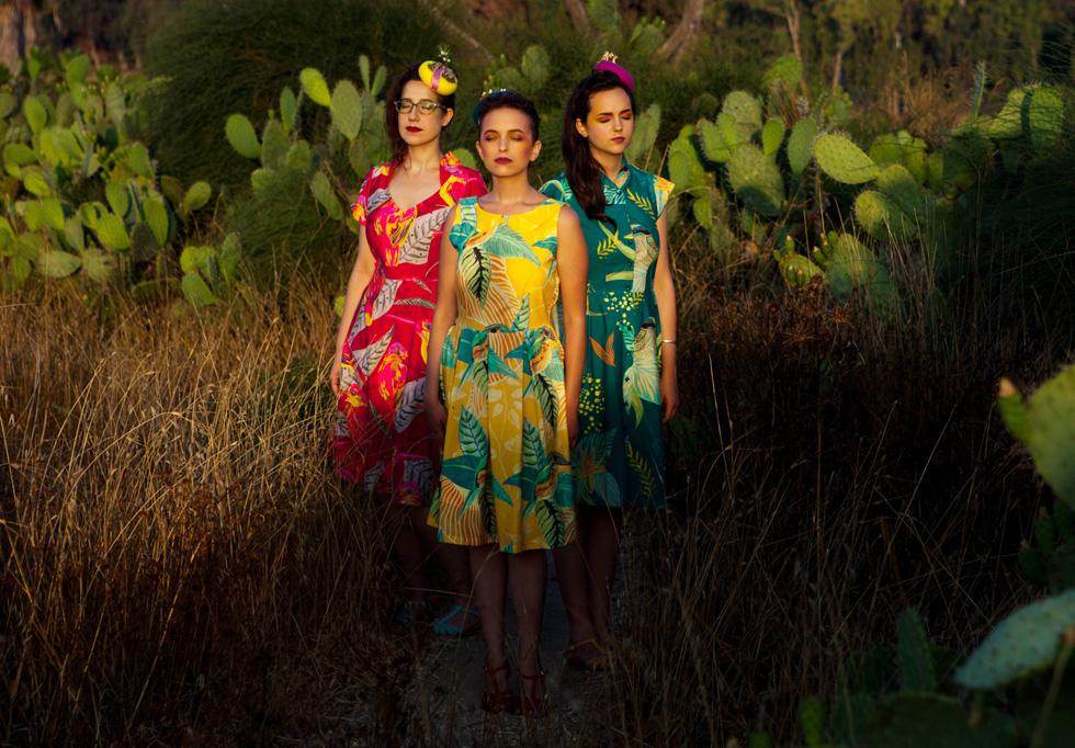 """""""בתור שלוש נשים צעירות חשוב לנו להביא את הקול הנשי, העצמאי והחזק לקדמת הבמה"""". האחיות לוז (צילום: ויטלי פרידלנד)"""