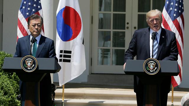 """""""פקעה הסבלנות"""". טראמפ ונשיא דרום קוריאה (צילום: רויטרס) (צילום: רויטרס)"""