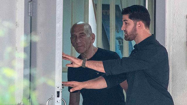 אחרי 16 חודשי מאסר, יצא מדלת מעשיהו  (צילום: AFP) (צילום: AFP)