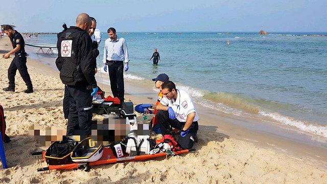 """חוף הסלע בבת ים, הבוקר (צילום: תיעוד מבצעי מד""""א) (צילום: תיעוד מבצעי מד"""