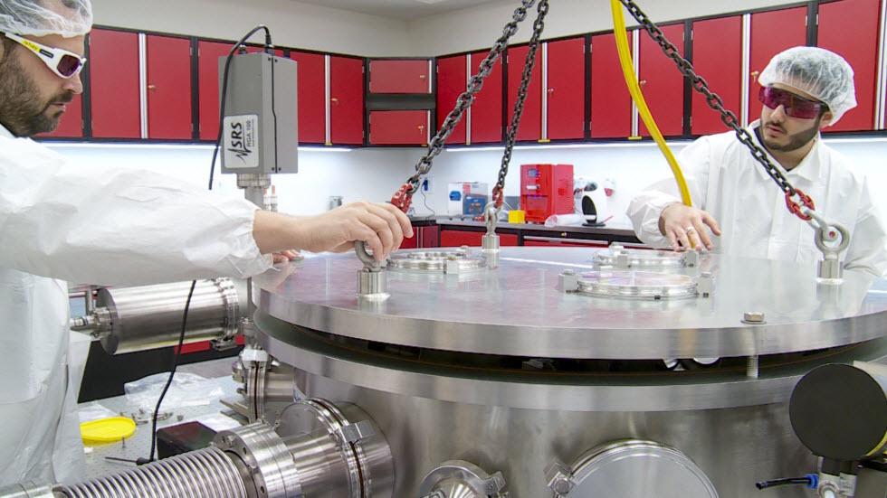 חלק גדול מהמעבדה נסמך על סטודנטים ועוזרי מחקר (צילום: חגי דקל) (צילום: חגי דקל)
