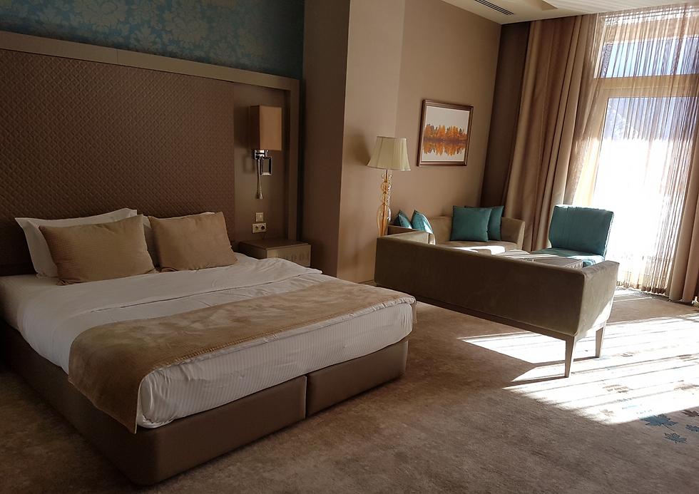 בתי מלון מפוארים בדרגות 4 ו-5 כוכבים במחירים של צימר בינוני בישראל. QafqazTufandag Mountain Resort Hotel באתר הסקי טופנדאג (צילום: רועי סמיוני) (צילום: רועי סמיוני)