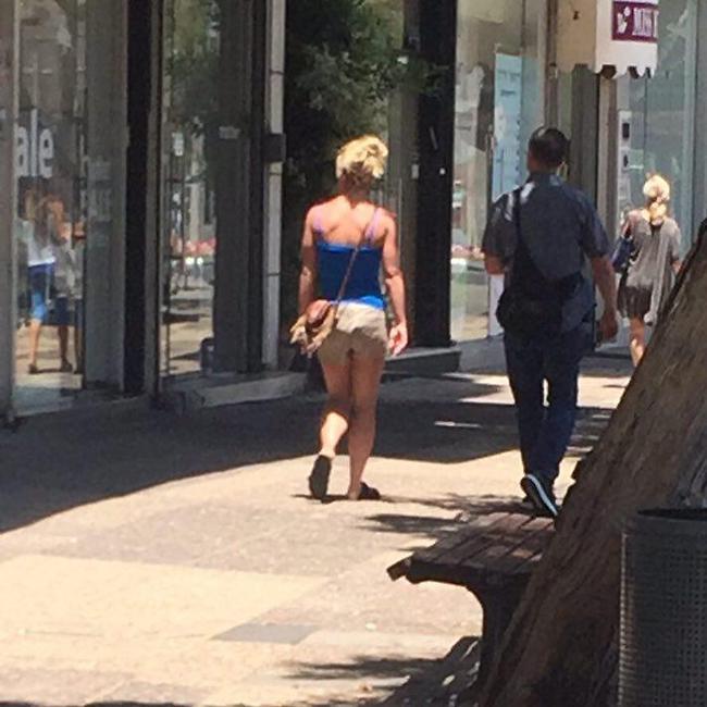11 בכיכר ביום שני. בריטני ספירס עושה את תל אביב (צילום: נשמות טובות)
