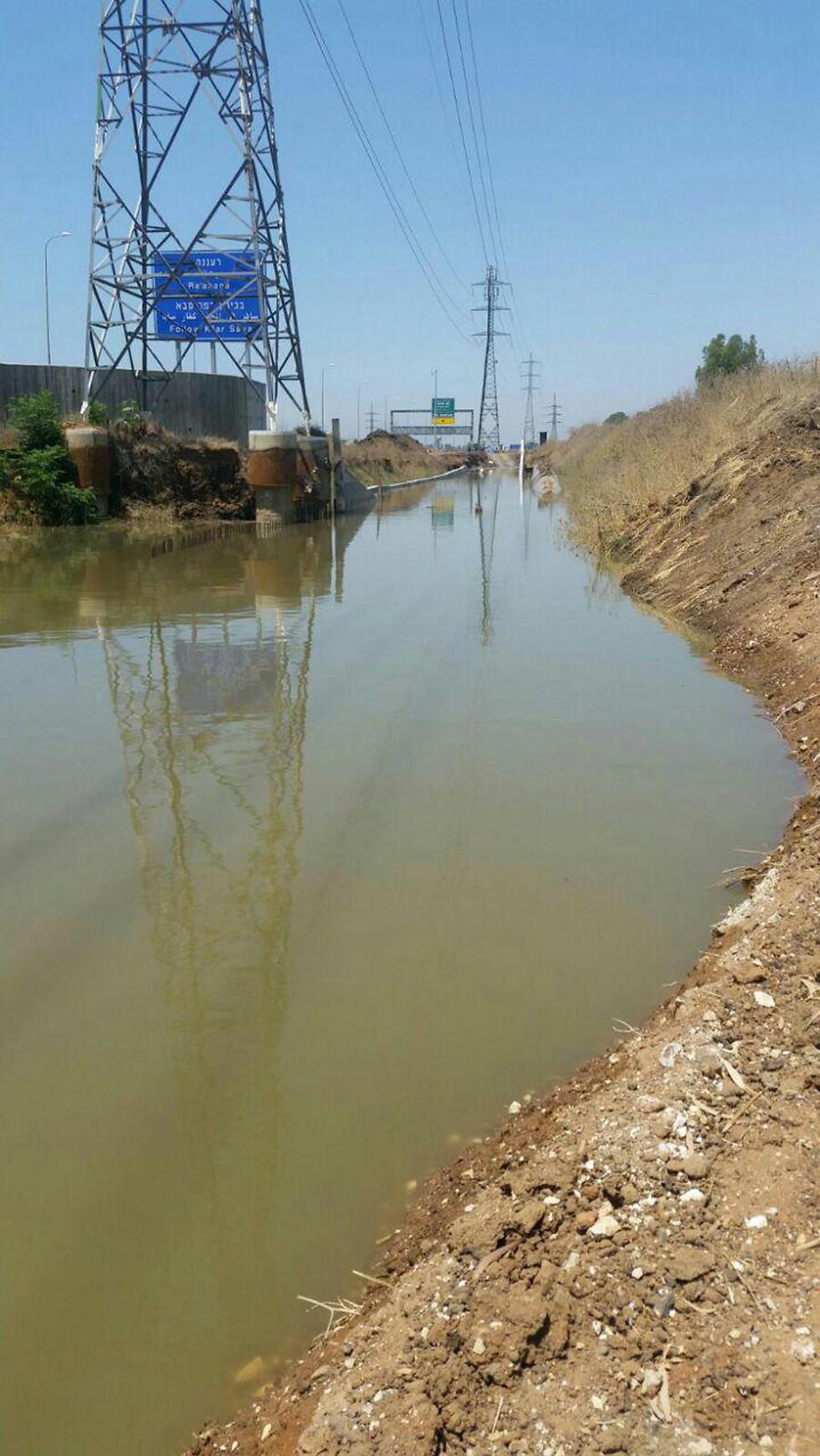 מקור הזיהום, אתמול (צילומים: עמיר ארד, משרד להגנת הסביבה)