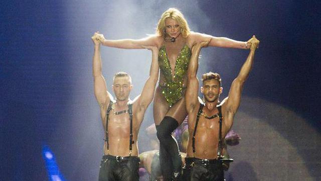 עשתה לנו בורדל. וגם ג'ונגל. בריטני ספירס על הבמה (צילום: עידו ארז) (צילום: עידו ארז)