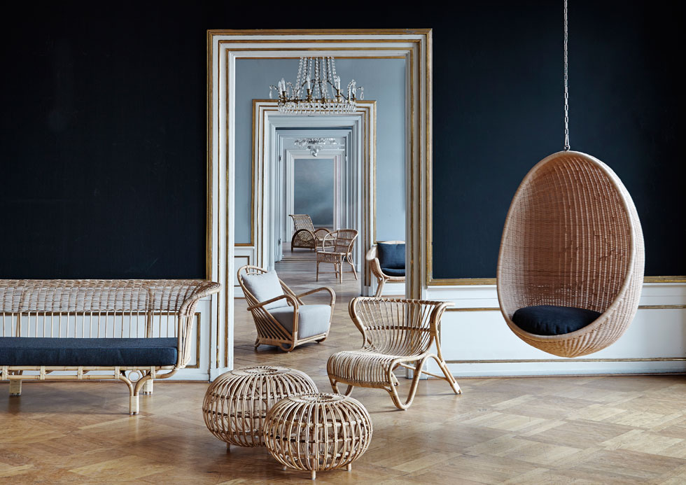 רהיטי הראטן של חברת SIKA, המיוצרים בעבודת יד באינדונזיה, שבים לאופנה. כיסא הביצה התלוי, שעוצב ב-1961, הוא רב מכר גם היום (עיצוב: sika)