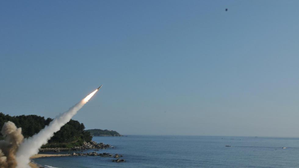 התגובה האמריקנית: תרגיל שיגורי טילים (צילום: רויטרס) (צילום: רויטרס)