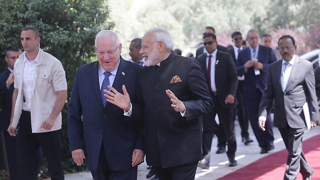 Rivlin hosts Modi at the President's Residence in Jerusalem (Photo: Alex Kolomoisky)