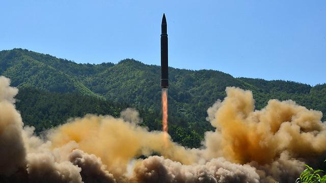 תיעוד של שיגור הטיל שפרסמה צפון קוריאה (צילום: רויטרס) (צילום: רויטרס)