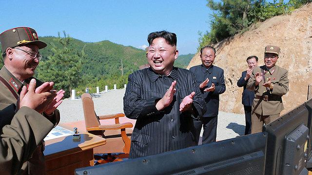 הבטיח תגובה לסנקציות, אבל לא פירט מעבר לכך. קים ג'ונג און (צילום: רויטרס)