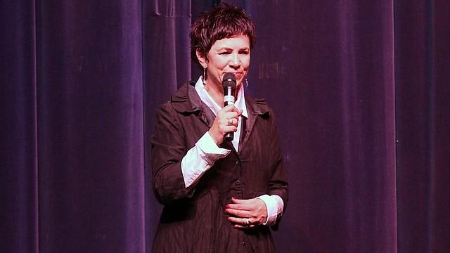 """""""נשים הן חצי אחוז מהמשתתפים בכנסי קוסמים"""". דליה פלד (צילום: קובי קנטור)"""
